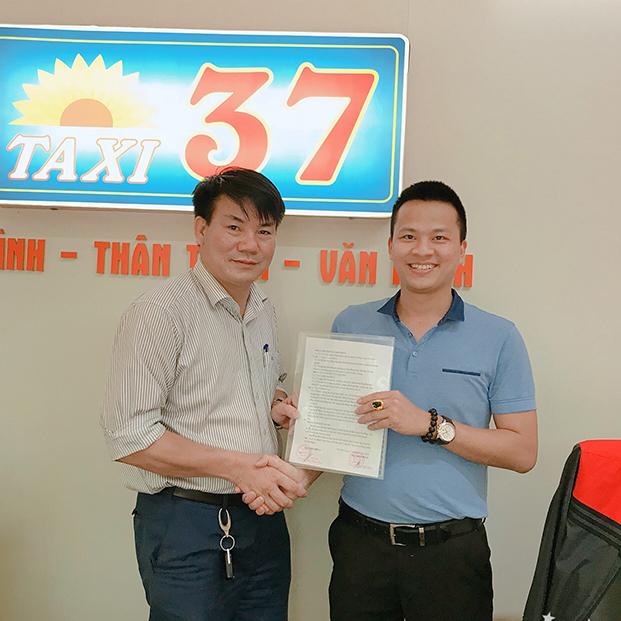 Phong thủy Phan Gia hợp tác với Taxi 37 để đưa thương hiệu tiến xa hơn